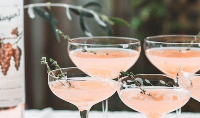 Looking for a new drinks spot or a fun time? For a night to remember (or not!), check out these 5 best cocktail bars in Edinburgh!
