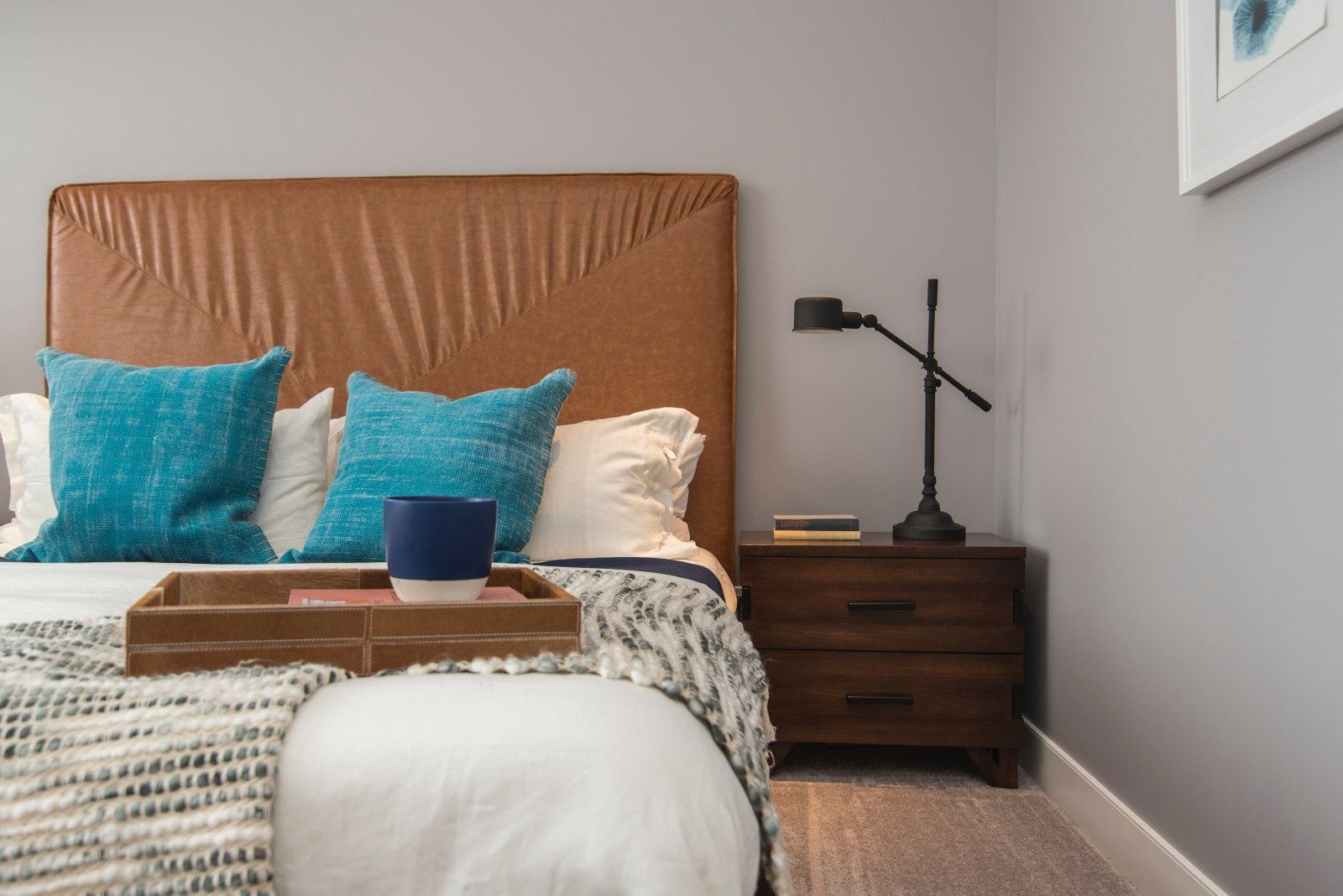 Making your dorm room look the best it can be is important. Make sure you stand out from the crowd with these unconventional decor ideas!