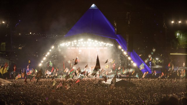 "10 Glastonbury Moments That Made Us Say ""OMG!"""