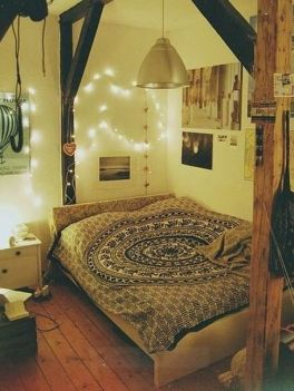 This boho chic dorm room is so cute!