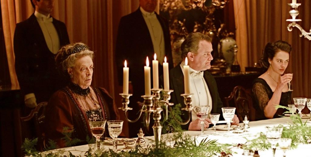 Downton-abbey-dinner-tableGoogleImagesCC