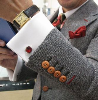These cuff links are so cool!