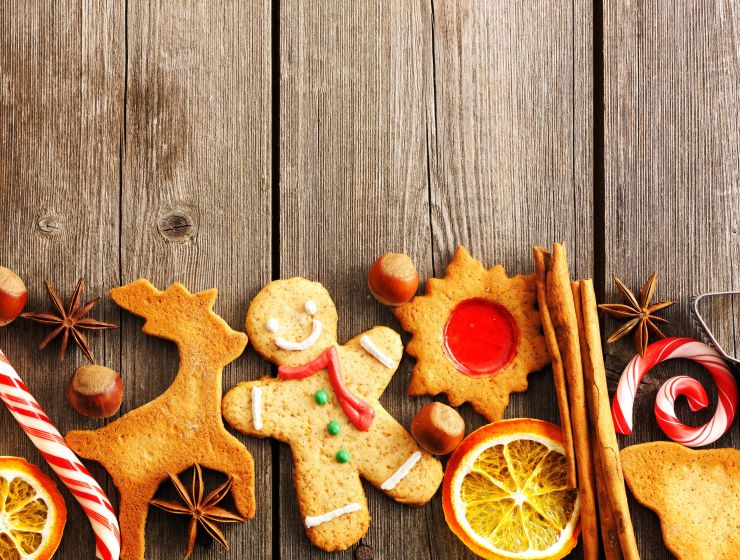 Sometimes we can lose sight of the reason for the season when finals and shopping stresses build. Check out these 10 ways to spread Christmas cheer!