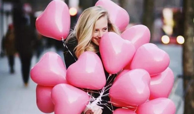 Are you looking for fun things to do on valentine's day in NYC? Here are fun ideas for Valentine's Day in New York City from restaurants to places to visit!