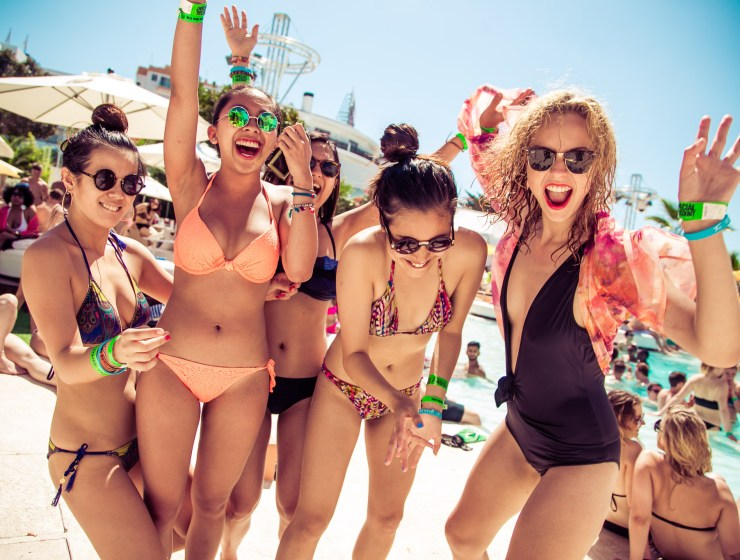 If you've got a college spring break week coming up, here are the top 10 spring break destinations to go to! These best spring break locations are ideal for college students who want to save money and party hard!