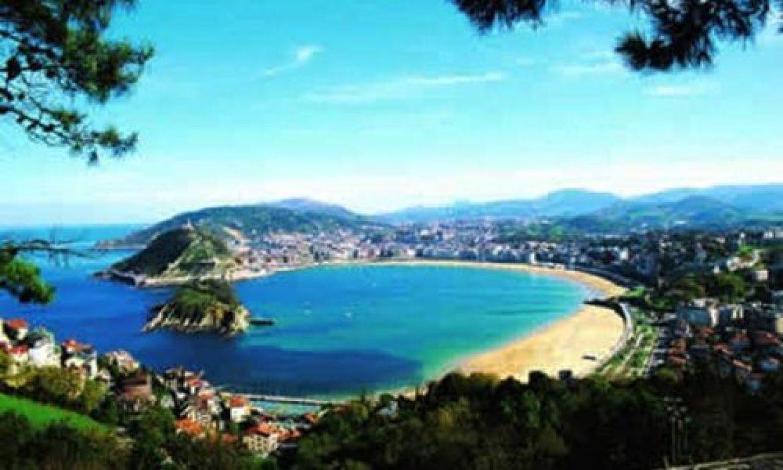 beautiful Spanish beaches - reasons to visit Spain!