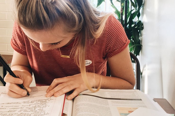 Classes and finals can be overwhelming, but with just a few tips you can start to ease any stress. Here are 5 study tips for Cornell students.