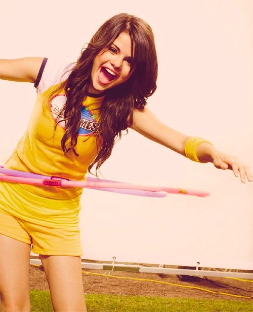 cute Selena Gomez at Disney Channel games