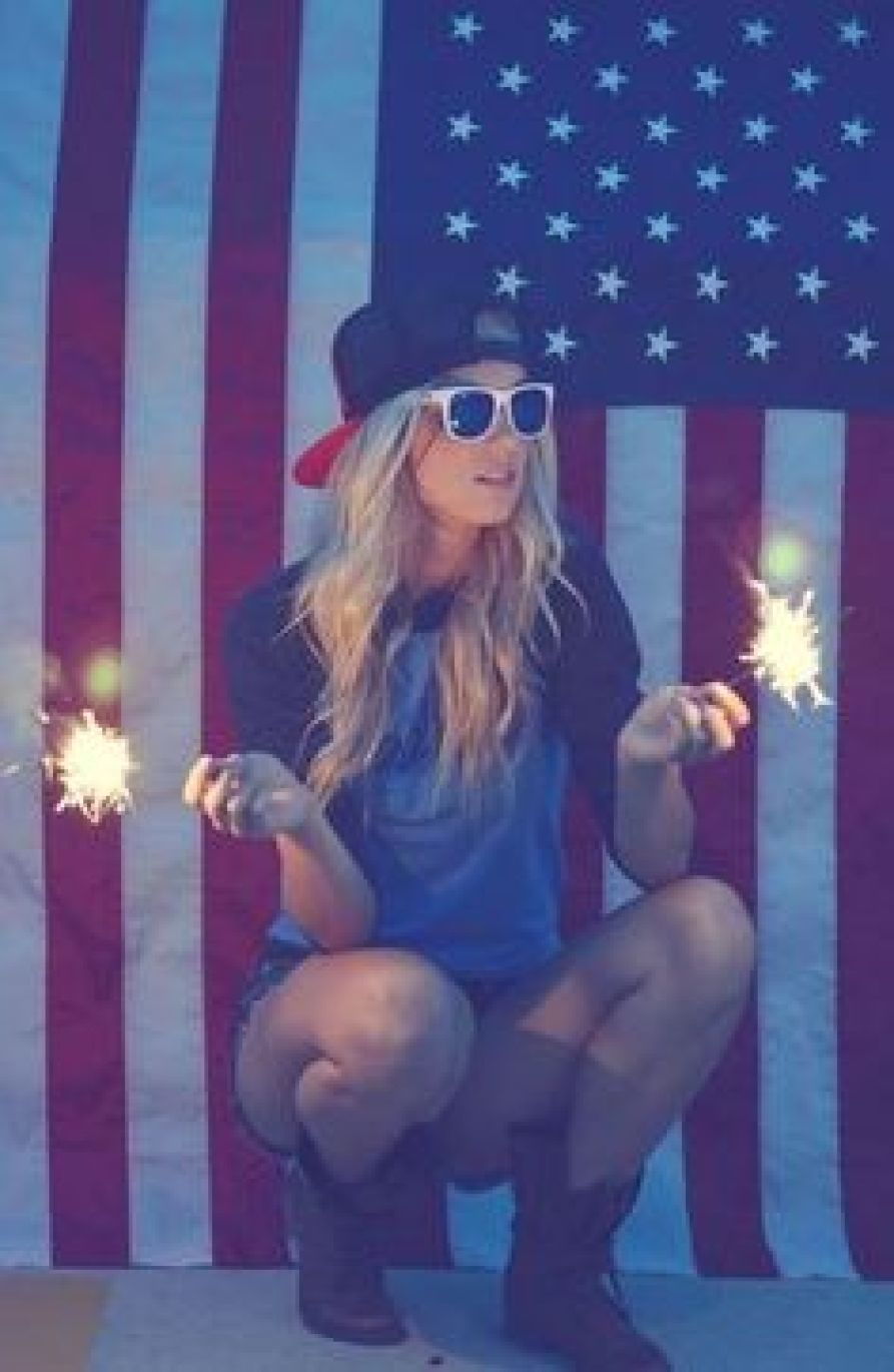 cute tailgate outfit with sparklers