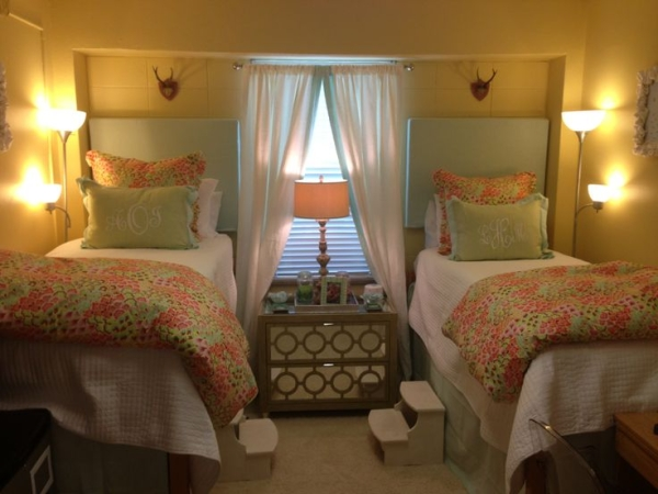 Floral Matching Bedding It Super Cute For Ole Miss Dorm Rooms
