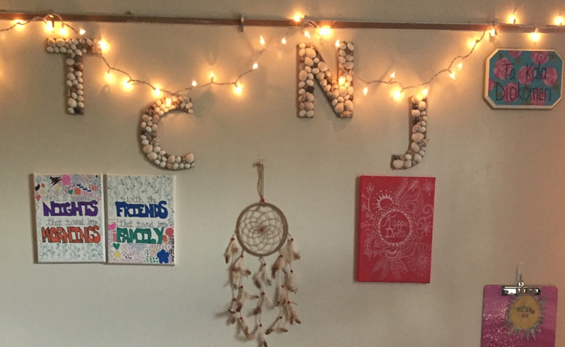 One of the best parts about moving into your new dorm room is the dorm decor and theme! Here are some TCNJ dorm rooms for some dorm decor inspiration!