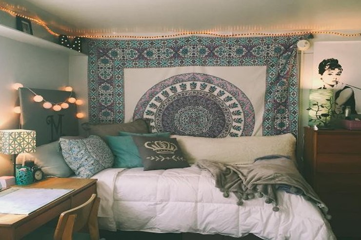 Sometimes you need a little inspiration to get the best dorm decor for your room. This is a list of WVU dorm rooms that are perfect to try!