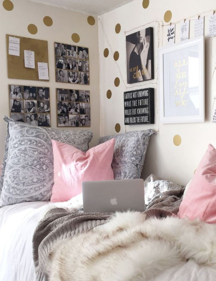 How To Decorate Your Dorm Walls Without Causing Damage - Society19