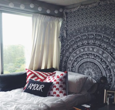 Move-in day is coming and you have to have your dorm decor and theme picked out! Here are some Syracuse Dorm Rooms for some serious dorm inspiration!
