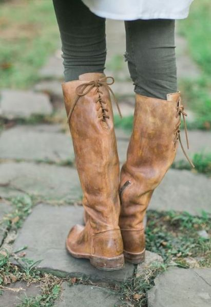 These lace up riding boots are so cute