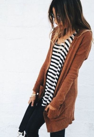 This cardigan outfit is so cute and cozy!