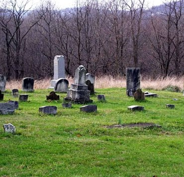 As Halloween rapidly approaches, we all become slight thrill-seekers. Keep reading for 7 super haunted places in Morgantown you need to visit!