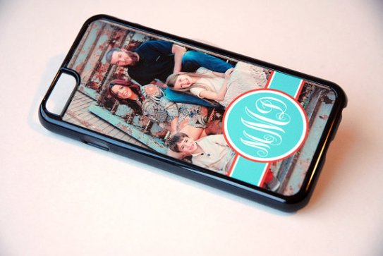 A photo phone case will constantly remind mom of the ones she loves most.