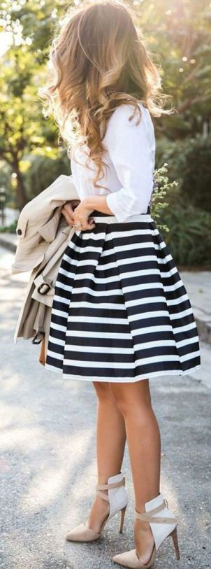 This striped skirt is so cute!