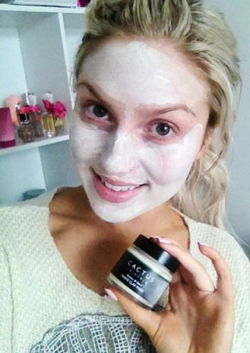 Refresh your face with a mask once a week!