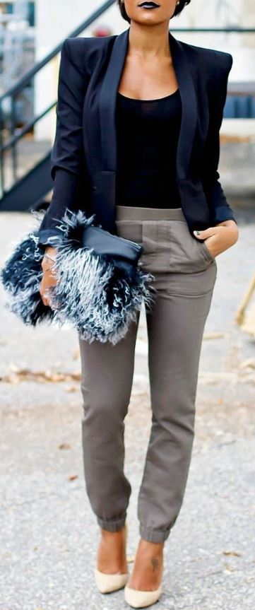 I love this furry clutch with the dark lip!