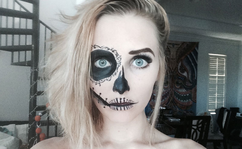 15 Signs You're So Obsessed With Halloween, It's Scary