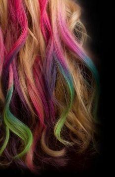this rainbow hair chalk is beautiful!