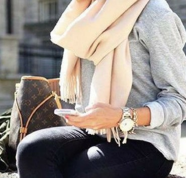 Thanksgiving is always a tricky holiday to dress for. Check out these outfit ideas that have you covered for every type of Thanksgiving!