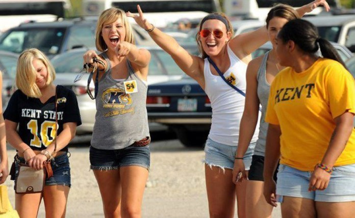 10 Adorable Gameday Outfits At Kent State University - Society19 088f480b4