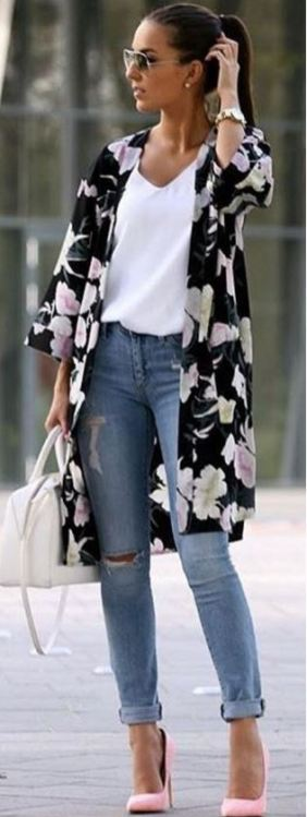 This floral kimono cardigan is perfect for the spring!