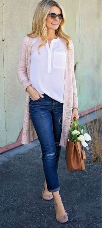 This pink cardigan is perfect for the spring!