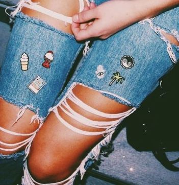 The patches on this denim make such a cute spring outfit!