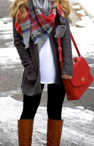 This large red tote bag is so cute for a winter outfit!