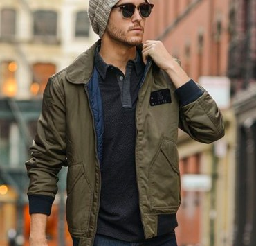 22 Things Guys Wear That Instantly Make Them Hotter