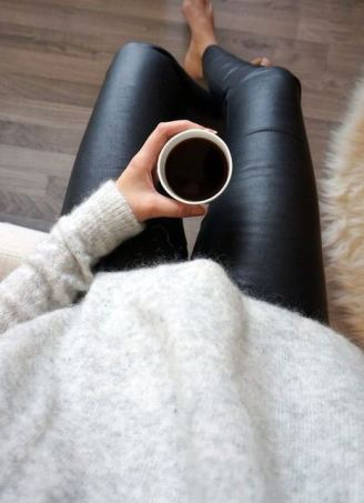 This casual leather leggings outfit is so cute for lounging in the fall or winter!