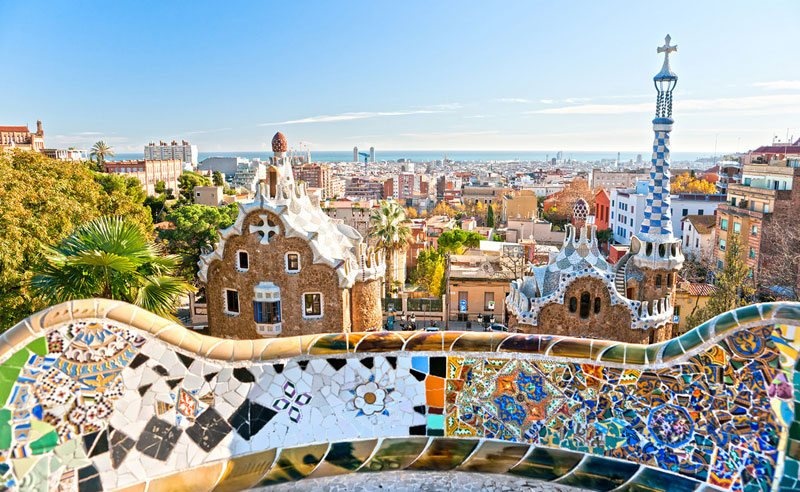 Are you wondering how to spend a weekend in Barcelona? We've put together some great tips so you can have an awesome weekend in Barcelona on a budget!