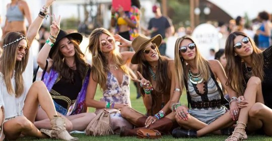 Cute music festival outfits that you need to copy for your next festival! Festival fashion and clothing ideas for Coachella, Bonnaroo, Governors ball, etc!
