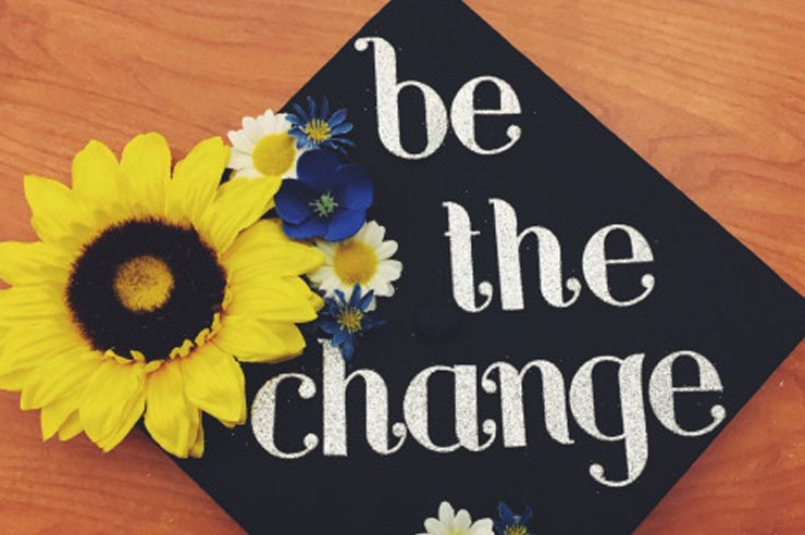 There are so many reasons why going to college is actually important. From networking, to learning how to research and write effectively, go to college!