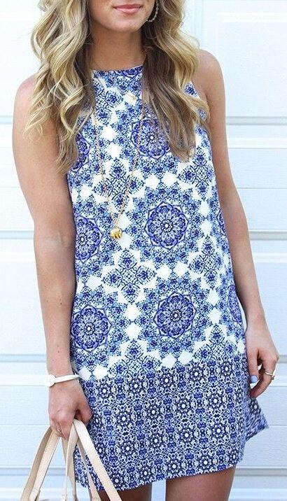 Patterned dresses make perfect graduation dresses!