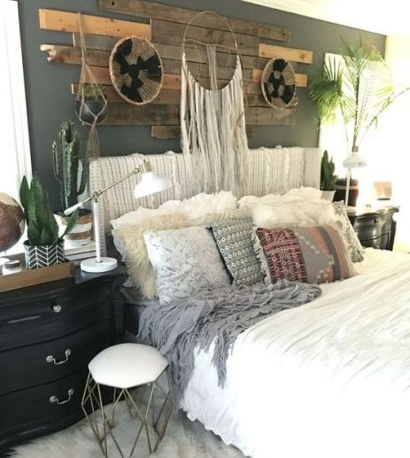 Dream catchers are the definition of boho dorm rooms!