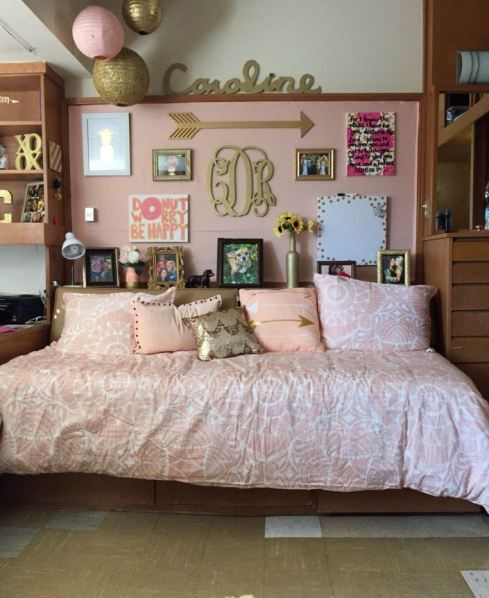 Pink and gold is perfect for preppy dorm rooms!
