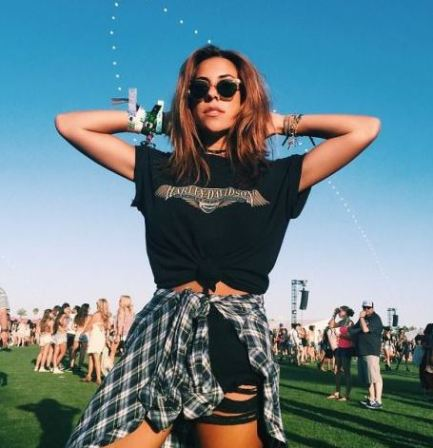 Graphic t-shirts are perfect for festival outfits!