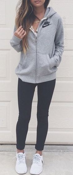 20 Cute Outfits With Black Leggings To Copy , Society19