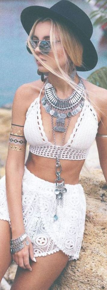 Crochet looks make the cutest festival outfits!