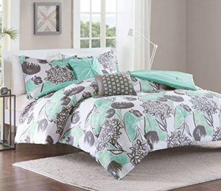 21 Dorm Bedding Ideas By Color
