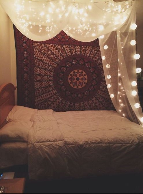 Tapestries are great ways to make your bedroom cozy!