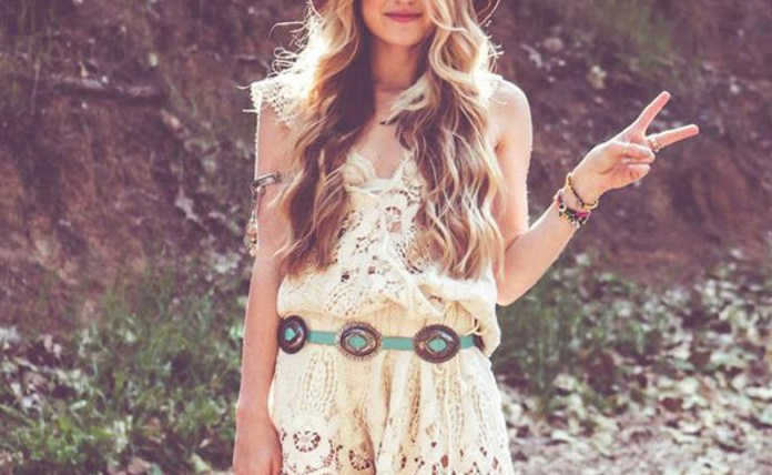 Tips to add that bohemian style into your wardrobe. Boho outfit ideas with tribal prints, patterns and accessories to complete the cute boho look!