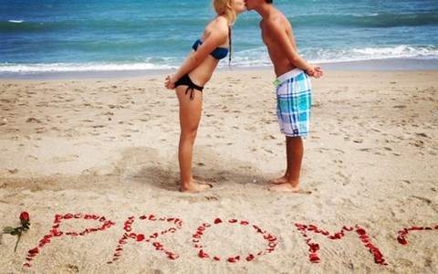 The cutest promposal ideas that any girl would love! If you're looking for some prom inspiration to pop that question, these promposals are so cute!