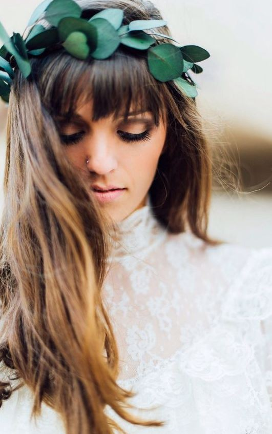 This flower crown look is so gorgeous!