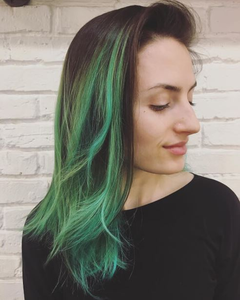 Green mermaid style is cute for brunette ombre hairstyles!